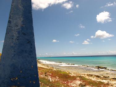 Blue Obelisk, Bonaire