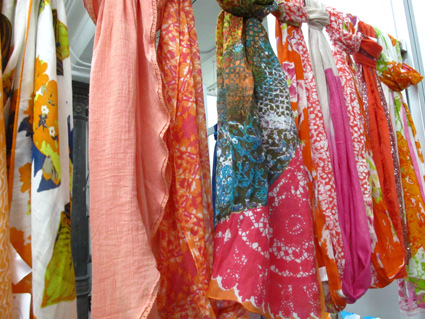#designerscarves #pinkscarves