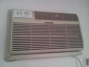 Wall mounted AC unit